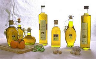 Las ventas low cost de la distribución y la atomización, dificultades para el aceite de oliva